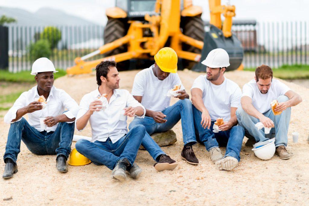 Arbeitnehmer haben ein Recht auf Pause, wie diese Bauarbeiter.