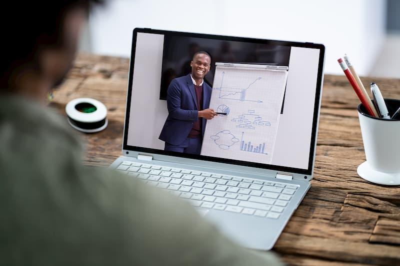 Online-Vorlesungen sind oft Teil eines Fernstudiums
