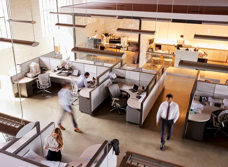 Welche Vor- und Nachteile bietet das Desk Sharing?
