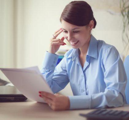 Qualifiziertes Arbeitszeugnis: Anspruch, Formulierungen, Muster