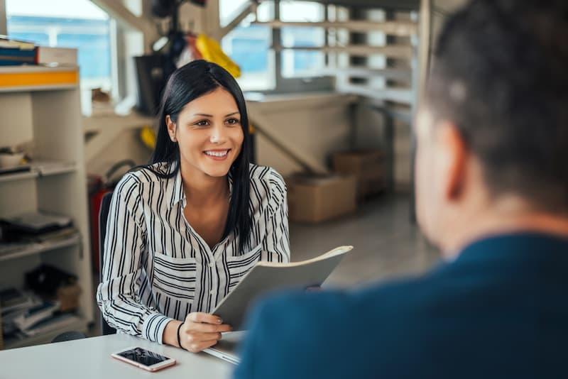 Arbeitszeugnis Muster – wie ein professionelles Arbeitszeugnis geschrieben wird